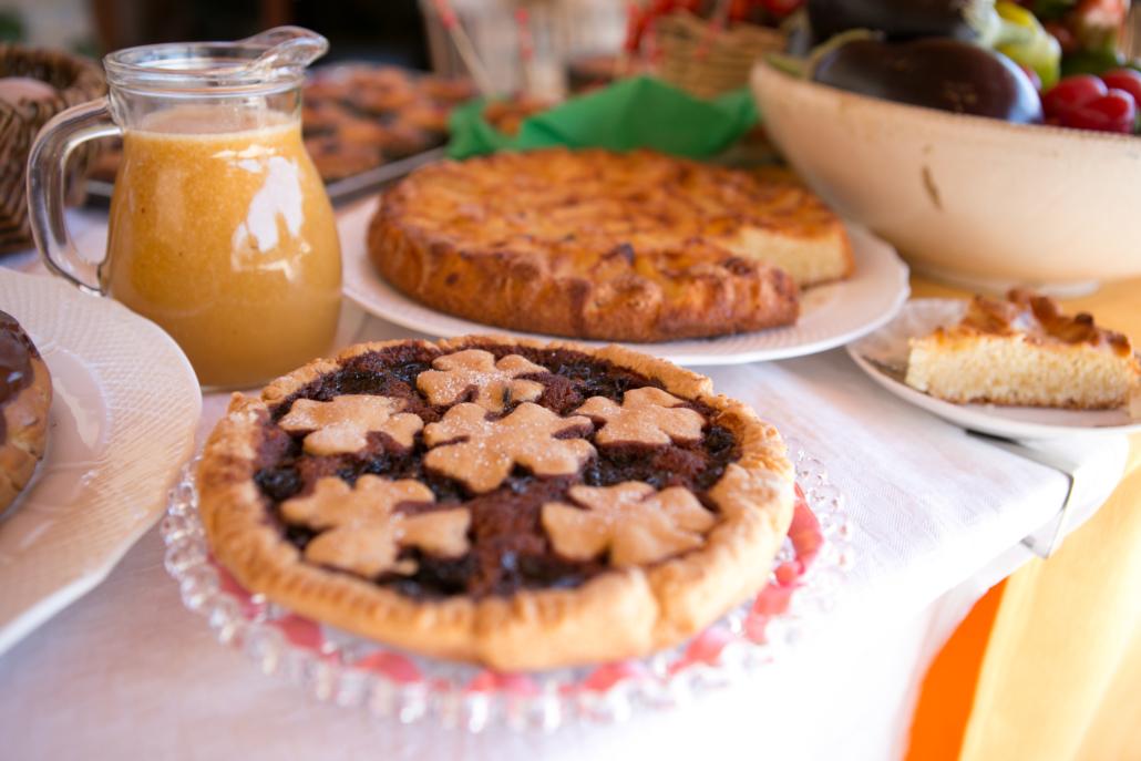 Crostata dolci e succo Agriturismo Regno di Marzagaglia