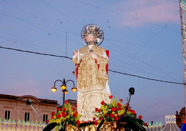 San Filippo Neri in processione a Gioia del Colle